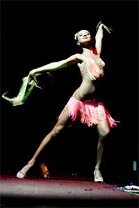 танцевальные и творческие номера участниц